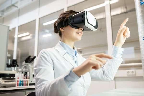 Virtual pharmacy services